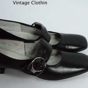a30362864bf00 Vintage 1960s Spectrums by Selby Black Pumps NOS